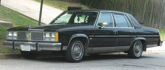 1978_Oldsmobile_98_Regency_sedan